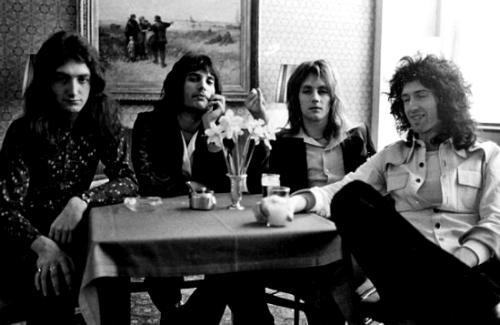 Queen Band 1974