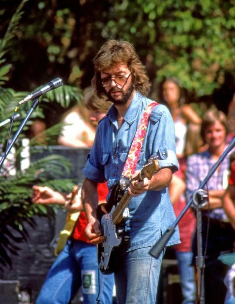 Eric Clapton 1975.jpg