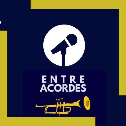 Entre Acordes Podcast Logo