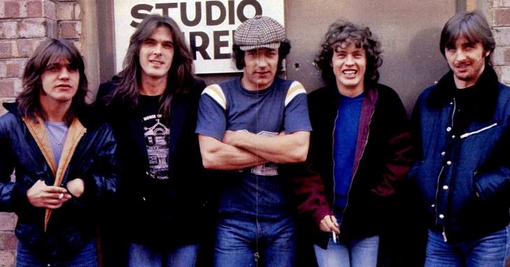 AC:DC 1980 .jpg